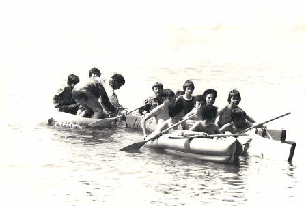 scouts_canoe_LacJoux.png